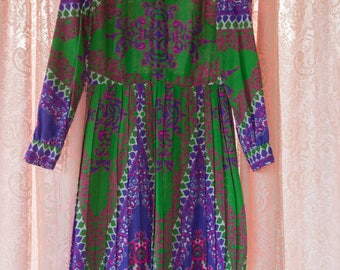 Mod Pleated Vintage Dress - Colorful 60s Design