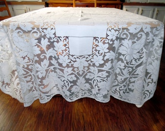 Beautiful Lace Netting Lace Tablecloth Lace Overlay Possibly Quaker Lace 70 X 76 Cotton ECS SVFT