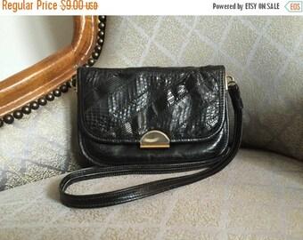 extra 30% off sale . . . Black Textured Vegan Leather Envelope Mini Shoulder Bag - Vintage 80s 90s
