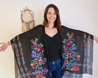 Black and Floral Print Fringe Bohemian Dreamer Sweater Shawl Shrug Jacket Batwing Kimono Sleeves Womens One Size