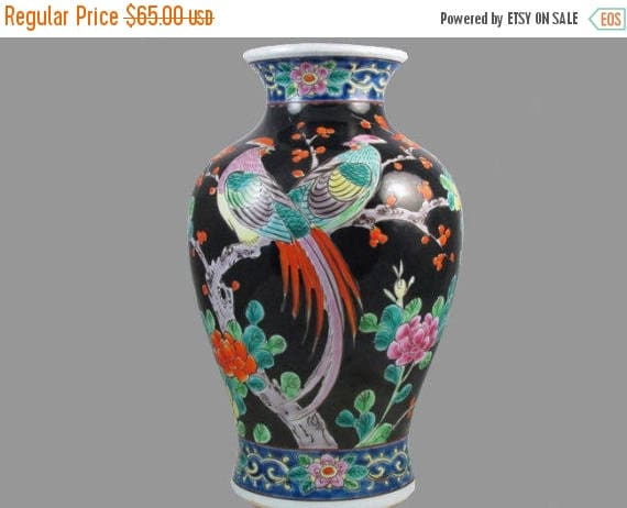 SPRING CLEANING SALE Large vintage hand painted Birds and floral Japanese Satsuma urn vase ceramic / pottery / Asian / Oriental / Japan / Mo