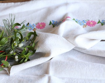 D 109: handloomed linen antique charming TOWEL napkin, LAUNDERED ,리넨,  decoration; tablerunner