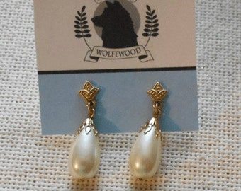 Vintage Teardrop Pearl Earrings