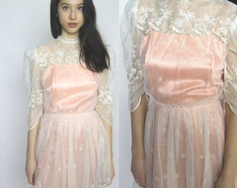 virgin suicides -- vintage late 70s / early 80s lace netting mini dress XS/S