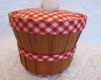 Vintage Sewing Basket Red and White Plaid accent fabric