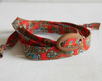 Wrap bracelet. Textile bracelet. Made in Italy. Paisley wristband.  Red.