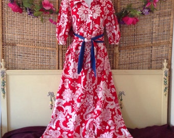 Vintage Hawaiian Robe Long Red Cotton Button Front Short Puff Sleeves Small