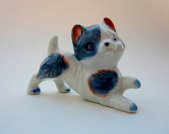 Vintage Porcelain Cat Kitty Figurine - White and Gray Porcelain Playful Kitty Cat Miniature Figurine - Made in Japan