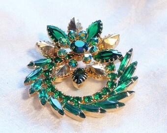 sale 15% Julianna D&E Green Brooch Rhinestone AB  Emerald Green Gold  1950s 50s