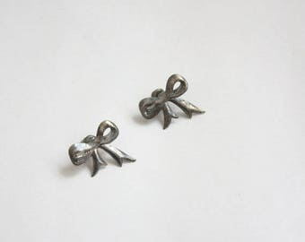25% SALE pewter bow earrings