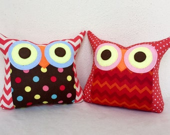 End of month sale/TWO owl pillows/orange /dots/Polyfil Stuffed little owl pillows/holiday owl /decoration/collection