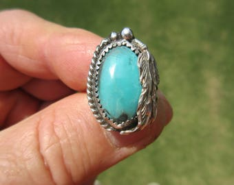 WHAT WONDERFUL WAMPUM - Western Sterling Silver Feathered Arizona Turquoise Ring - Size 5 1/2