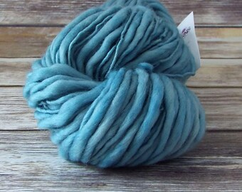Slub Yarn, Thick and Thin Yarn, Hand Dyed Merino Yarn, Hand dyed Slub Yarn, Hand painted slub yarn, baby prop yarn, Wander