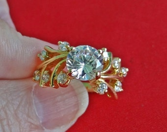 20% off sale Lind signed Vintage gold tone  size 5.75  ring with super sparkly rhinestones in great condition