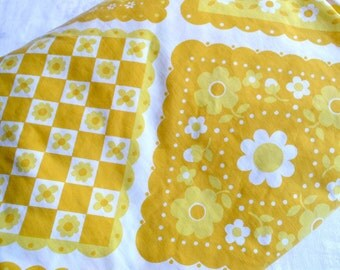 Vintage Bed Sheet - Yellow and White Calico Squares - Full Fitted