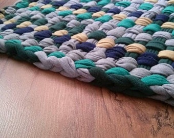 """Simple Chic Rug Blue Greenery Cabin Style Woven Looper Rug Soft and cushy to the feet Country Cabin style Measures 20"""" x 24.5"""""""