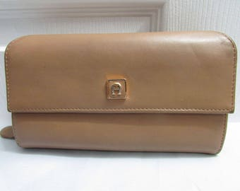 Vintage Etienne Aigner Tan Faux Leather Wallet Clutch Purse - checkbook, currency, ids, credit cards, change compartments
