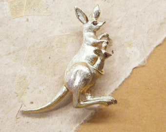 Vintage Kangaroo, Kangaroo Pin, Kangaroo Brooch, Figural Pin, Signed Avon,  ANIMAL CHARITY DONATION