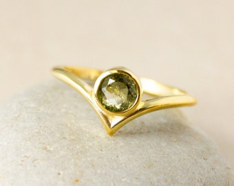 Green Tourmaline Point Ring, Pointed Ring, Choose Your Tourmaline