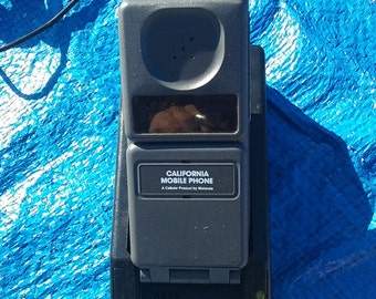 Vintage 80s Motorola Flip Cell Phone And Charger Works Electrical Parts