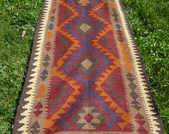 "Long Runner Maimana kilim/rug/carpet. Natural Wool. Handwoven. 9 ft 4"" x 2 ft 9"". 284 x 83 cm."