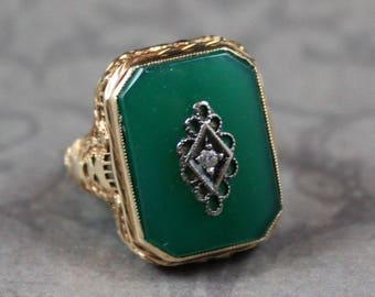 Vintage Art Deco Green Onyx Diamond 14K Yellow Gold Filigree Ring