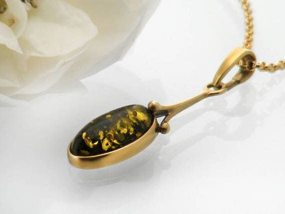 Vintage Pendant | Green Amber 9 Carat Gold Pendant | Full English 9ct Gold Hallmark | Lily Pad Amber, Sparkling Green & Gold - 22 Inch Chain