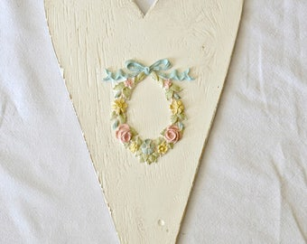 Heart with hand painted wreath applique
