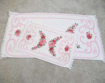 Retro 60's Pink Rose Bath Towel Set