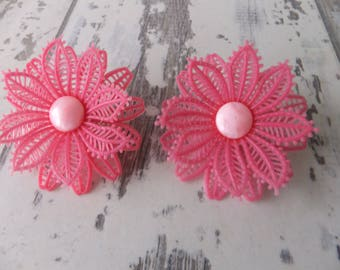 Vintage Western Germany Pink Plastic Flower Clip On Earrings Clips Dimensional Stamped Costume Jewelry Retro