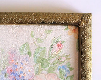 Gold picture frame, 5 x 7 frame for picture 4 x 6 floral decoration corner pieces vintage photo frame French shabby style ornate metal frame