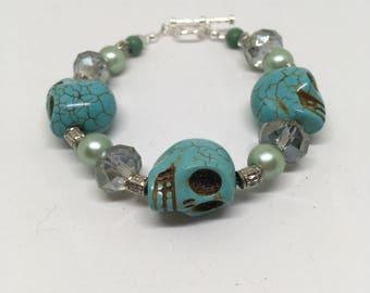 Stone/Glass Bead Skull Bracelet -7.5in