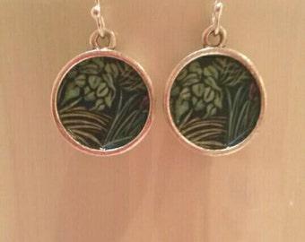 Deep Green Dangly Drop Earrings