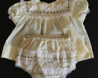 Vtg Yellow Baby Dress and Diaper Cover - 13 to 18 pounds - 3 to 6 Months - Alexis