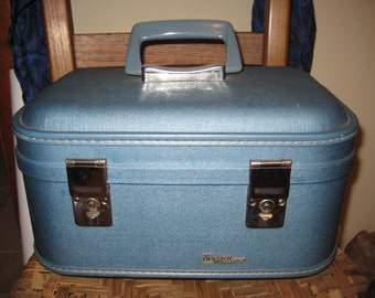 Vintage Train Case-with key, Train Luggage Co.-excellent-Final Flash Sale!