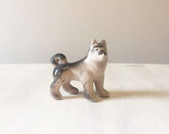 Vintage husky figurine, husky miniature, vintage dog figurine, vintage figurine, husky dog, ceramic husky, dog ornament, husky ornament