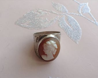 Vintage Silver Cameo Ring, Etched, Wide Band