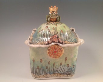 Frogs/pottery box/kitchen canister/frog prince/frog King/tea box/frog jewelry box/kitchen storage/home decor/frog art/ready to ship