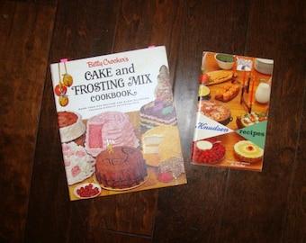 Betty Crocker's Cake & Frosting Mix Cookbook 300 Recipes Decoration Idea's Golden Press NY 1st Edition 1966 Knudsen Dairy Recipes 1961