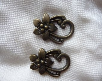 2 Sets of Antique bronze Leaf Big Toggle Clasps Findings.