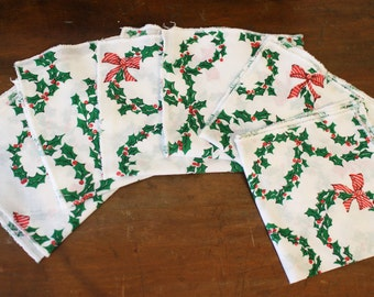 Vintage Christmas Napkins Set of 6 Holiday Holly Table Setting Retro