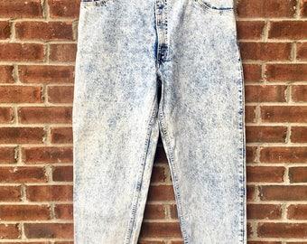 Vintage Men's Levi's 550 Acid Washed Jeans USA / 36x30