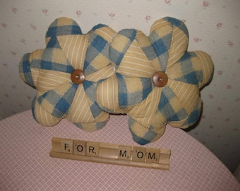 Vintage Quilt Fabric Flowers  Pillows For Mothers Day