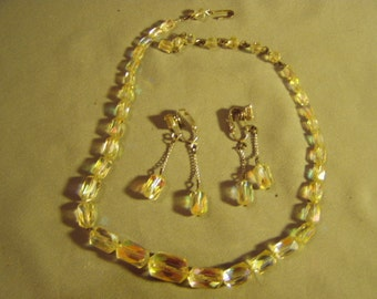 Vintage 1950s Faceted Aurora Borealis Iridescent Glass Bead Necklace Clip Earrings Set 9044