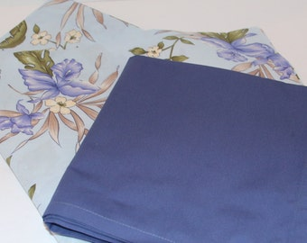 Floral Periwinkle Table Cloth and 6 Napkins