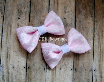 Arrows...Pigtail Mini Bows on clips, Baby pink color with white arrows, soft pink, light pink, hair bows, hair clips