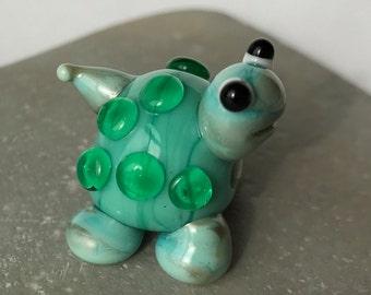 Spotty-lampwork glass bead-Turtle-critter-handmade-ooak-SRA