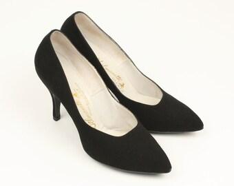 classic 1950s pumps • vixen • black suede high heels
