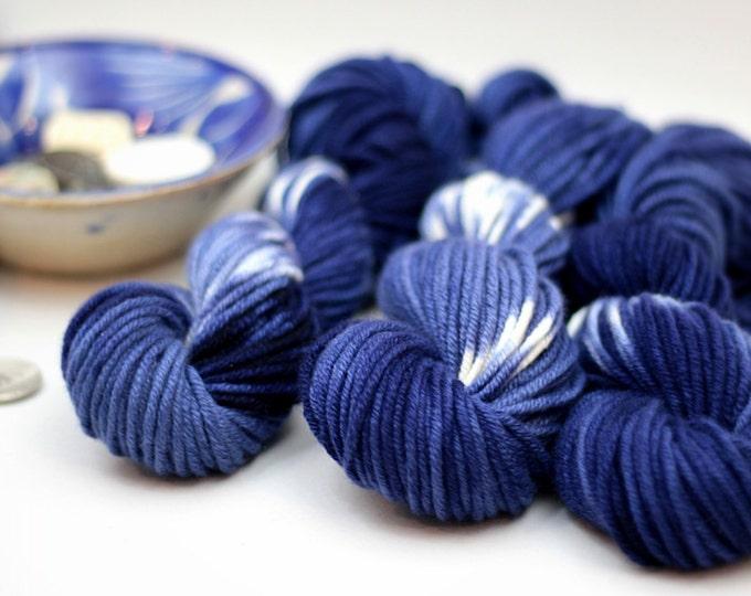Hand dyed 100% Cashmere Yarn, Shibori Indigo, Chunky, Mischa,Navy, cream