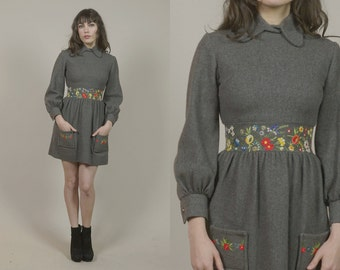 60s Babydoll Mini Dress Grey Wool Embroidered Floral 1960s Mod Hippie Twiggy Pointed Collar Pockets Knit / Size S Small